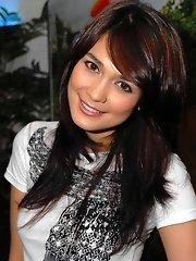 Actress Luna Maya famous sex tape with Peter Porn