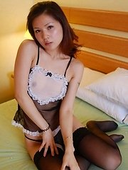 Sweet China girl posing naked in her hotel room